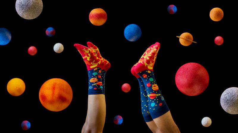 planets foot cardigan